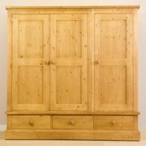 Sussex Pine 3 Door Triple Wardrobe with Drawers 1875w
