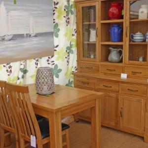 richmond oak dresser