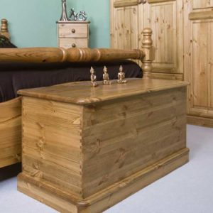 Wiltshire Pine Blanket Box